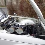 10-capot-moteur-triumph-tr4-a-irs-1966-blanche