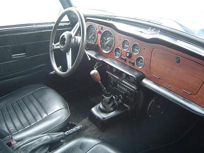 Triumph Tr6 1974 Bleu Simili Carbu Interieur Classic Car