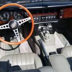 jaguar-type-e-s2-1970-bleue-marine-interieur